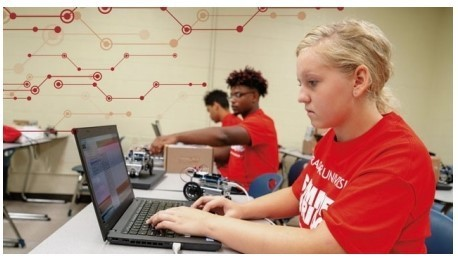 LCPS Students Attend Cyber Camp